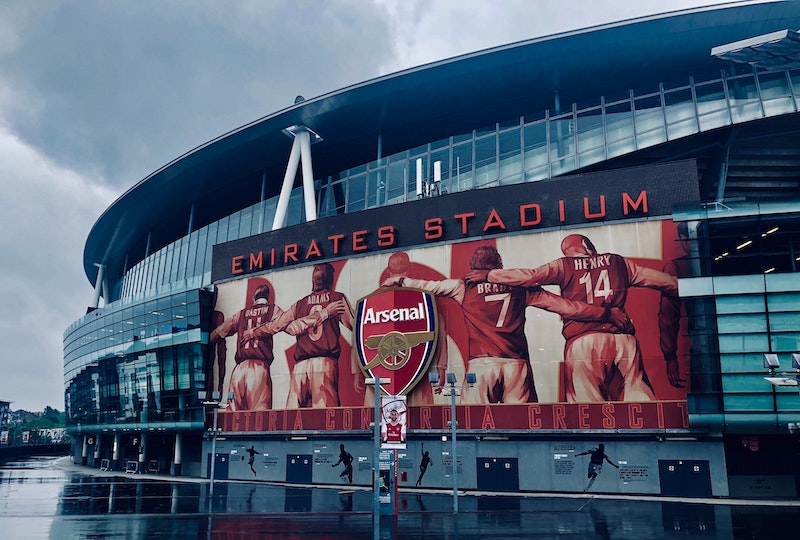 Do Arsenal Own Emirates Stadium?